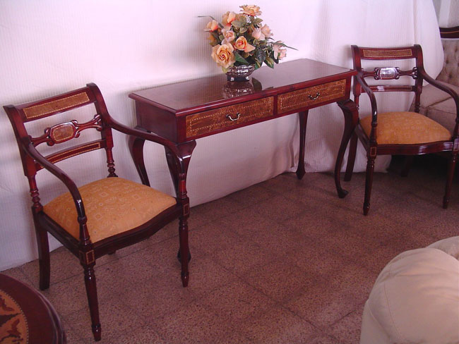 Muebles finos madera repizas for Bar rustico de madera nativa